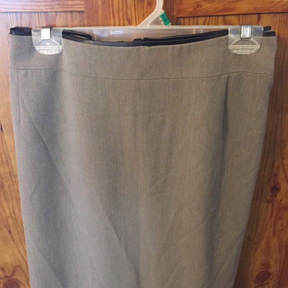 Kim Rogers Dresses & Skirts - Kim Rogers Plus sized 24W Tan skirt